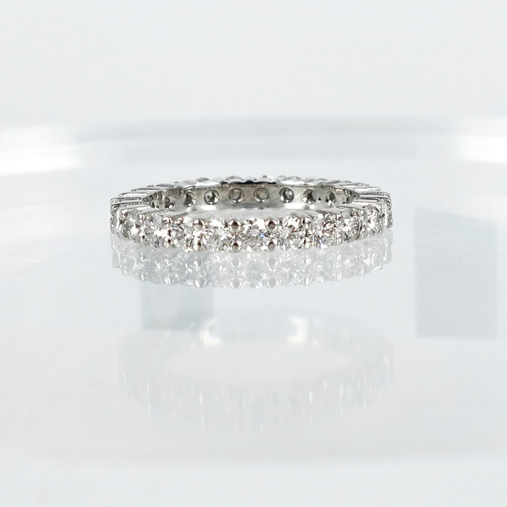 Image of PJ5129 Full circle diamond ring