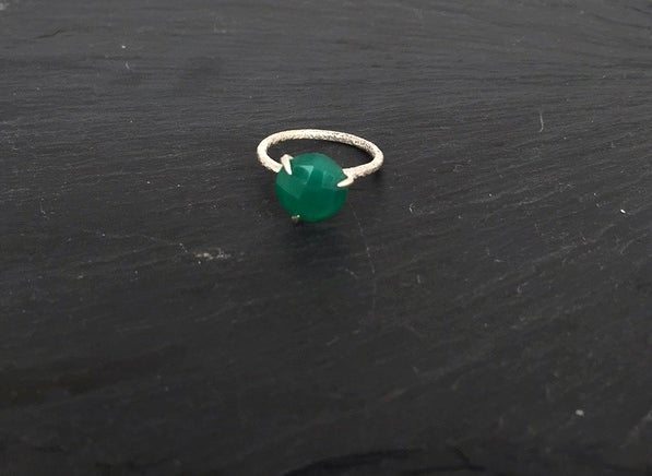Image of Clawring fancy cut in 925 silver with a green onyx