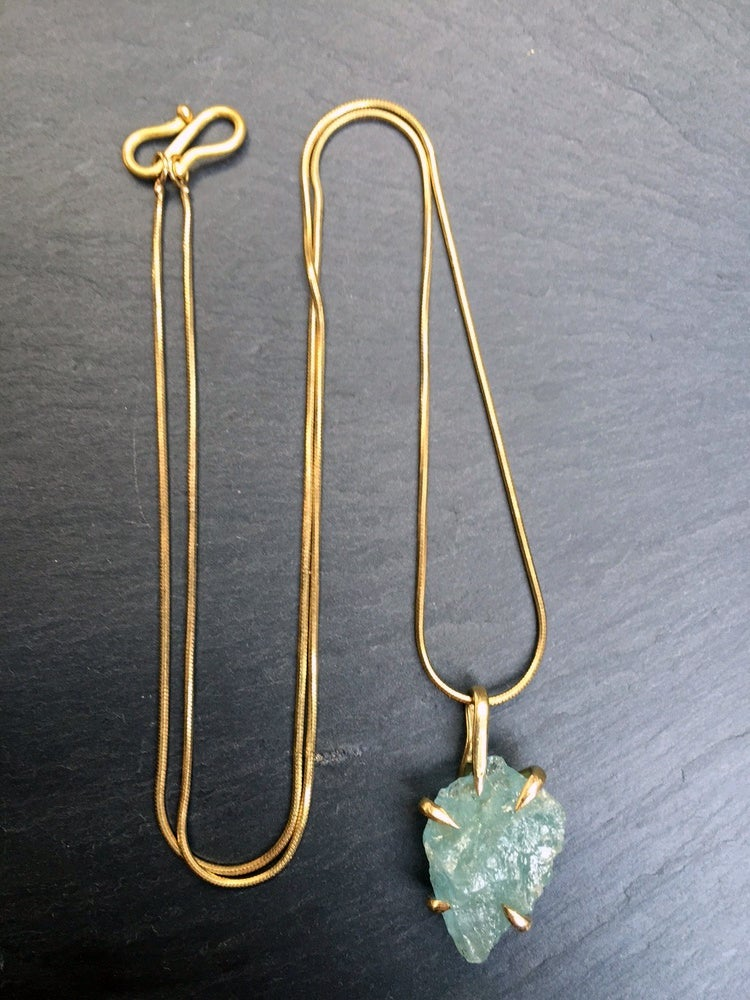 Image of Claw necklace with aquamarine