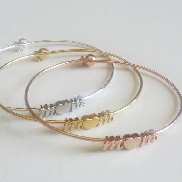 Image of mom bangle cursive