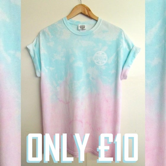 Image of Pastel blue/pink dip dye pattern t-shirt