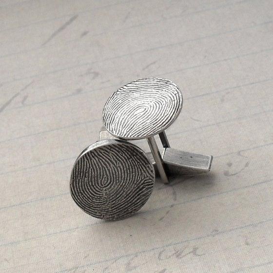 Image of Fingerprint Cufflinks in Fine Silver (Style#801)