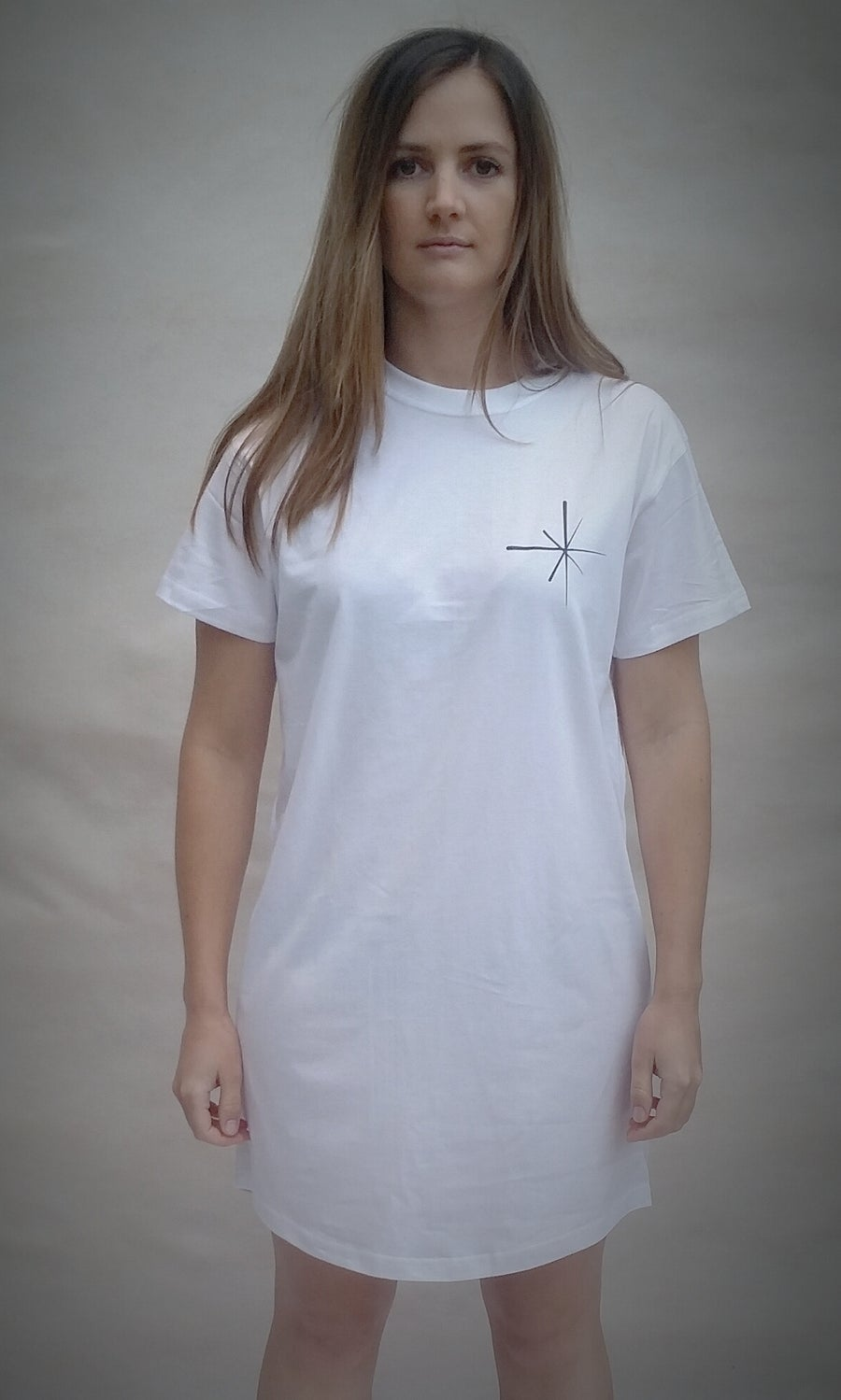Image of Easy Dreamer - bed tee
