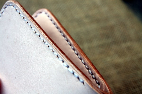 Image of Traditional Bifold in Natural Vegetable Tanned