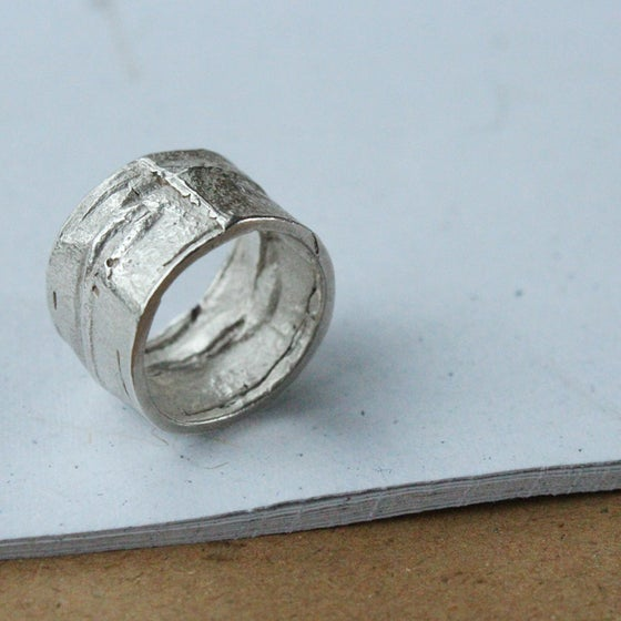 Image of Compressed Ring