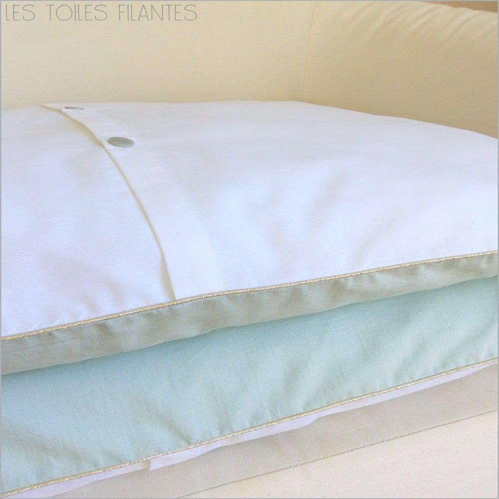 sur commande coussins sur mesure les toiles filantes. Black Bedroom Furniture Sets. Home Design Ideas