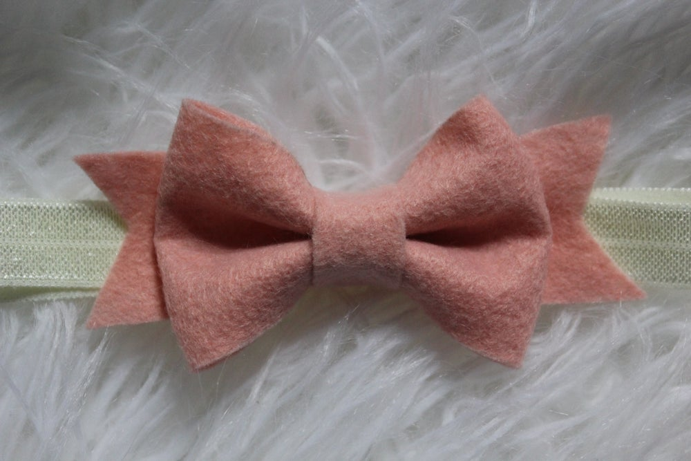 Image of Felt Bow in Pearl Pink