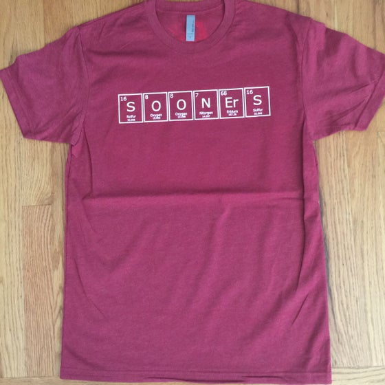 Image of periodic sooners. - graphic tee