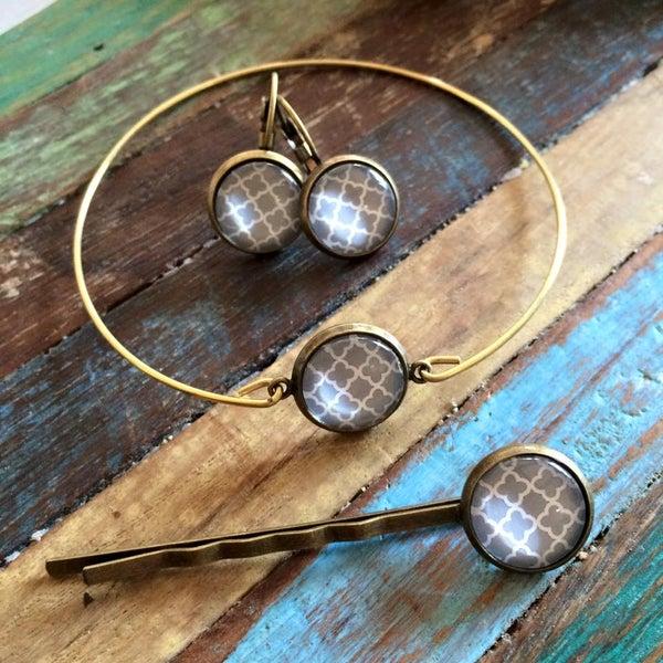 Image of Parure Simply Grey : Bracelet, dormeuses et/ou barrette