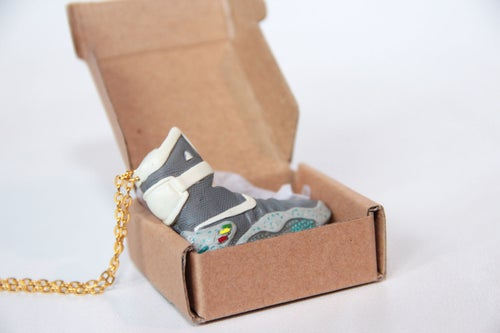 Image of Sneakers Necklace Air Mag