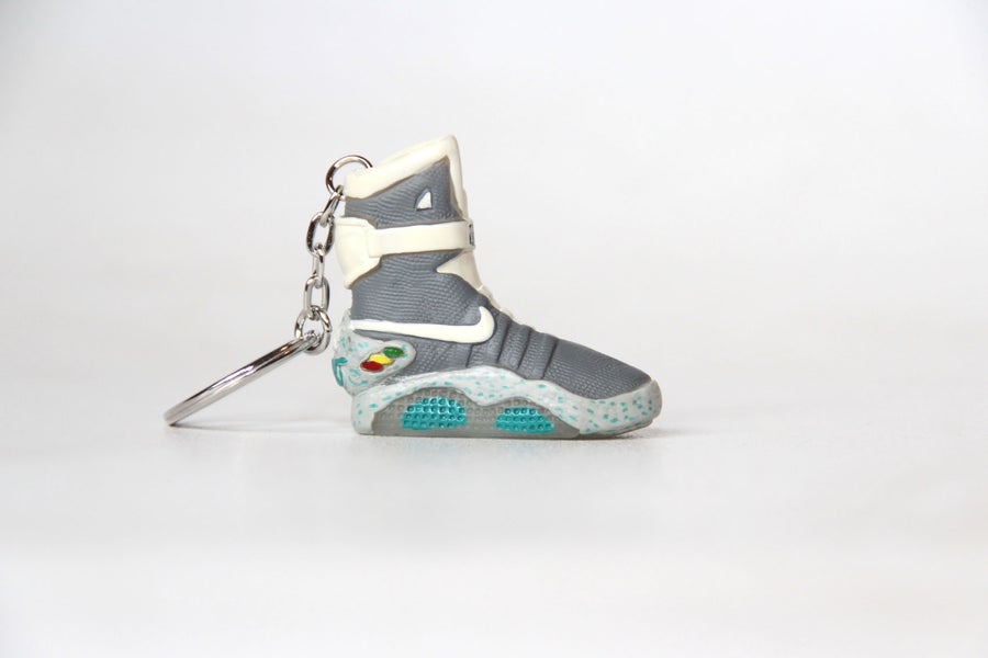 Image of Sneakers keychain Air Mag