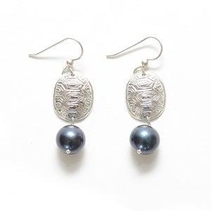 Image of Loksi (Turtle) Earrings
