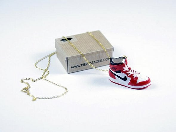 Image of Sneakers Necklace Retro 1