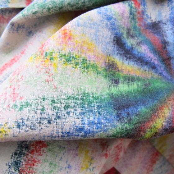 Image of Multifarvet silke kimono m tegnede struktur sole