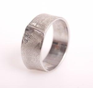 Image of Ring met vingerafdruk, trouwring met vingerafdruk, fingerprint, trouwringen op maat