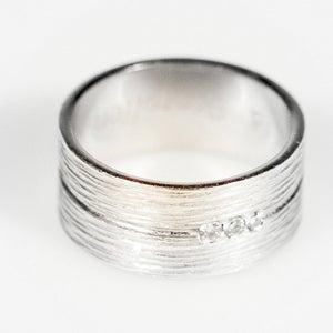 Image of Trouwring met groefjes en 3 diamantjes - zilver, juwelen te Antwerpen, verlovingring