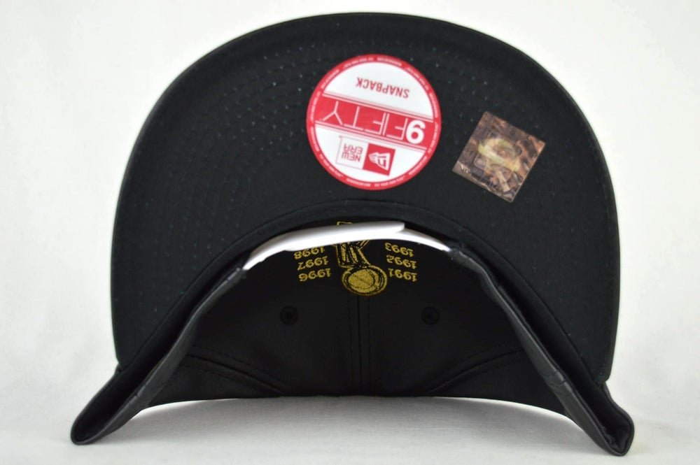 Image of CHICAGO BULLS CUSTOM LEATHER NEW ERA 950 SNAPBACK CAP
