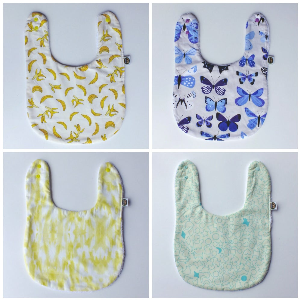 Image of FEEDER BIBS - COLOURFUL BUNCH