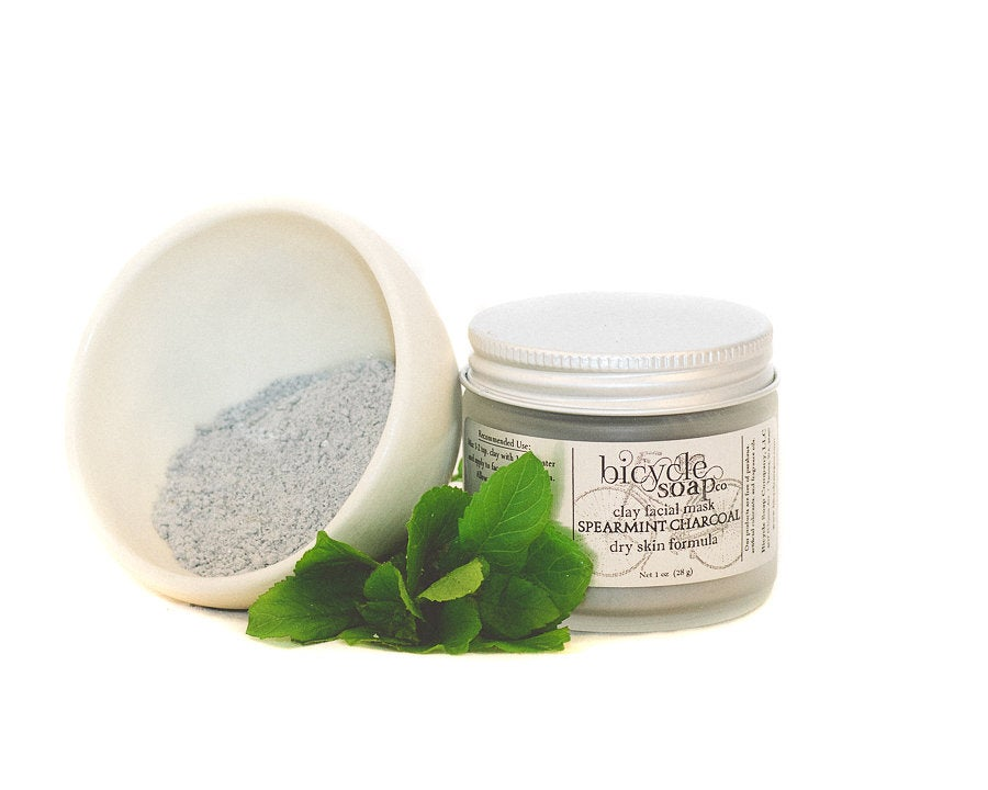 Image of Charcoal Mint Detox Mineral Clay Facial Mask