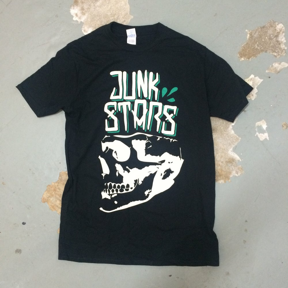 """Image of JUNKSTARS """"Skull"""" (Green T-shirt)"""