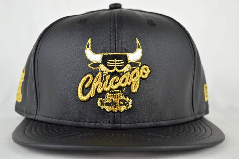 Image of CHICAGO BULLS CUSTOM BLACK LEATHER NEW ERA 950 STRAPBACK