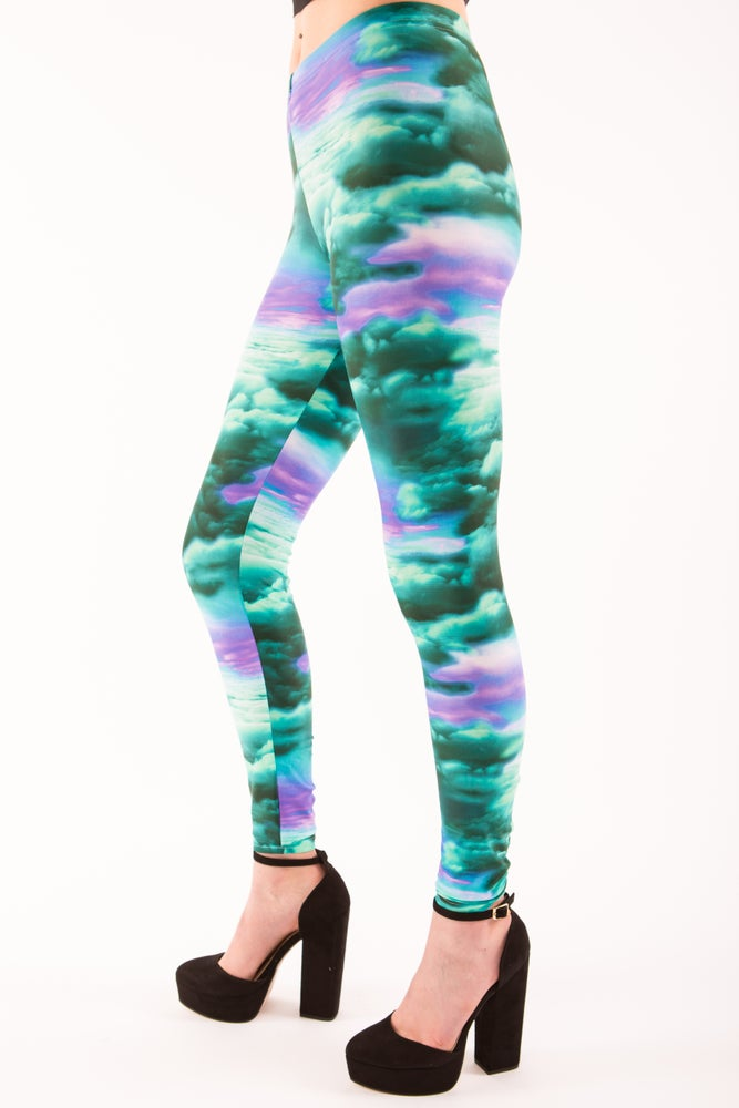 Image of Tranquil Clouds Leggings