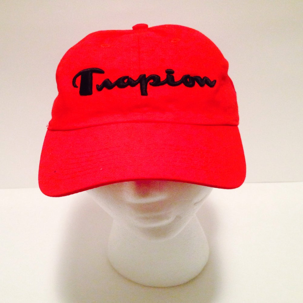 Image of Trapion strap back red
