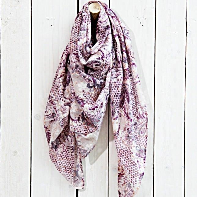 Image of Tuch aus Baumwolle · Paisley Flieder·