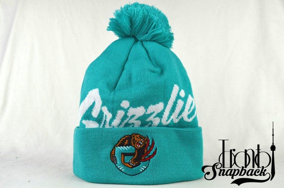 Image of VANCOUVER GRIZZLIES TEAL & WHITE NHL MITCHELL & NESS WINTER BEANIE