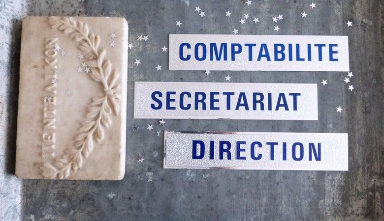 Image of Plaques de porte pour administation