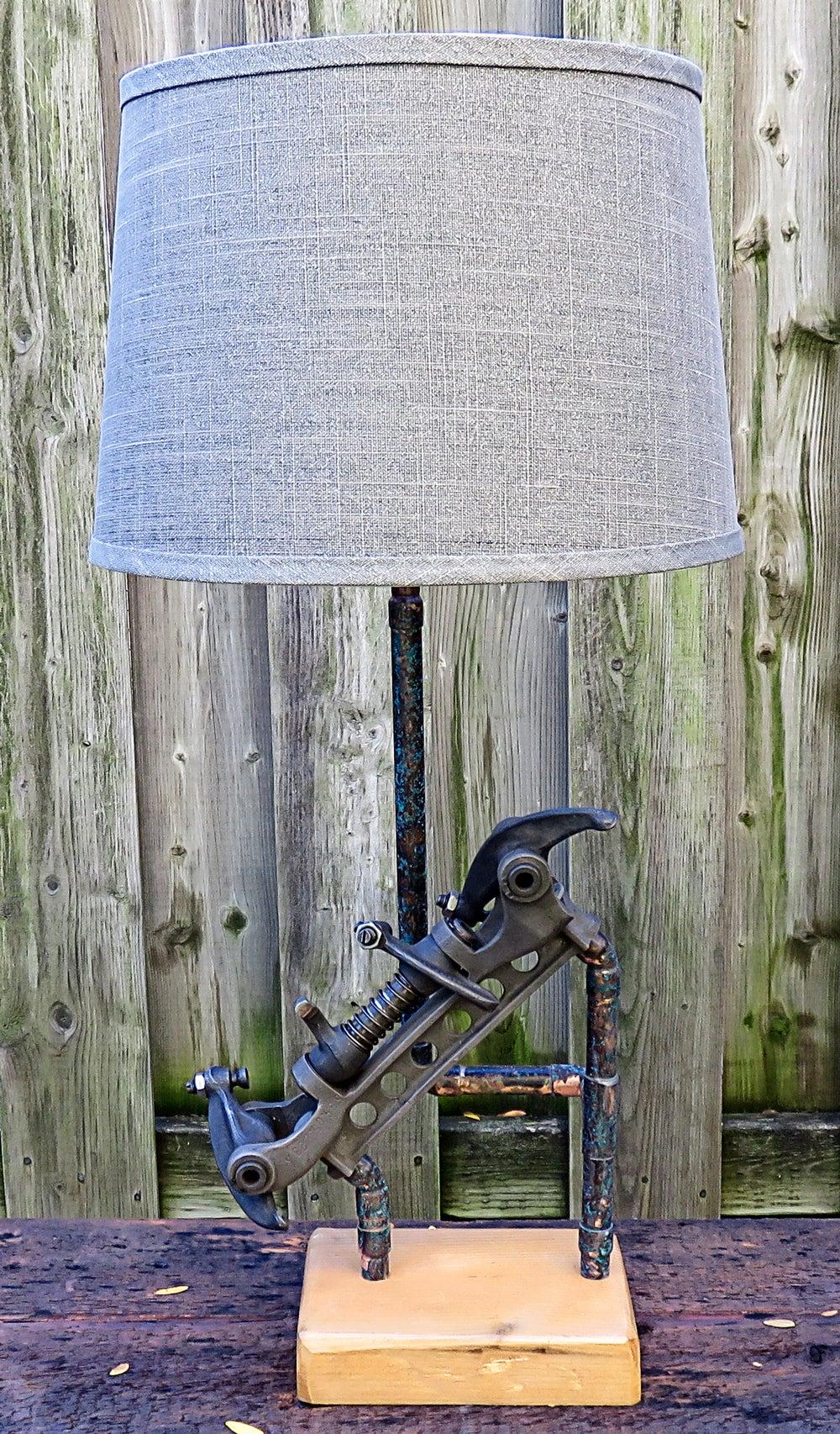 vintage lampe free lampe electrique bureau bois lampe de poser luminaire table vintage with. Black Bedroom Furniture Sets. Home Design Ideas
