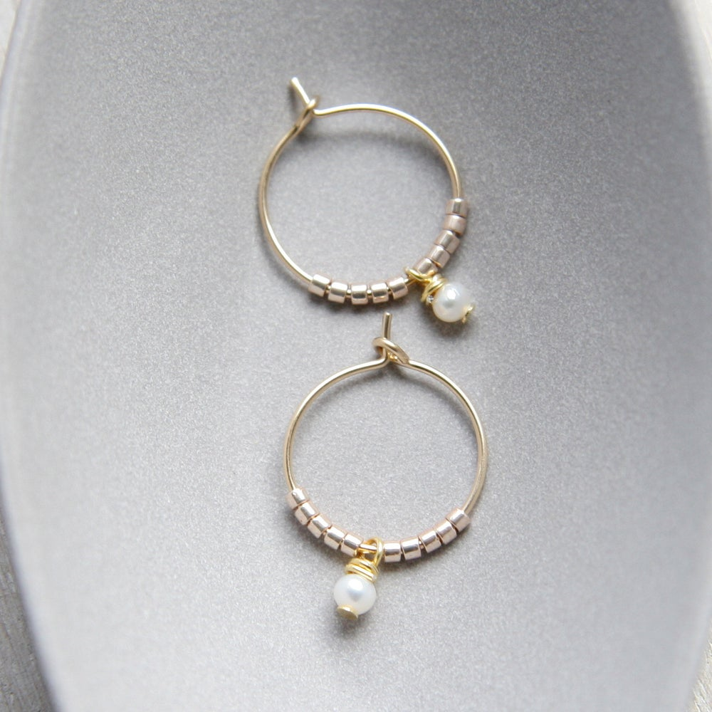 Image of Freshwater Pearl And Gold Leaf Necklace And Hoops Set