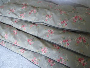 Image of  Sally Single Silver Grey Piped Edge Eiderdown