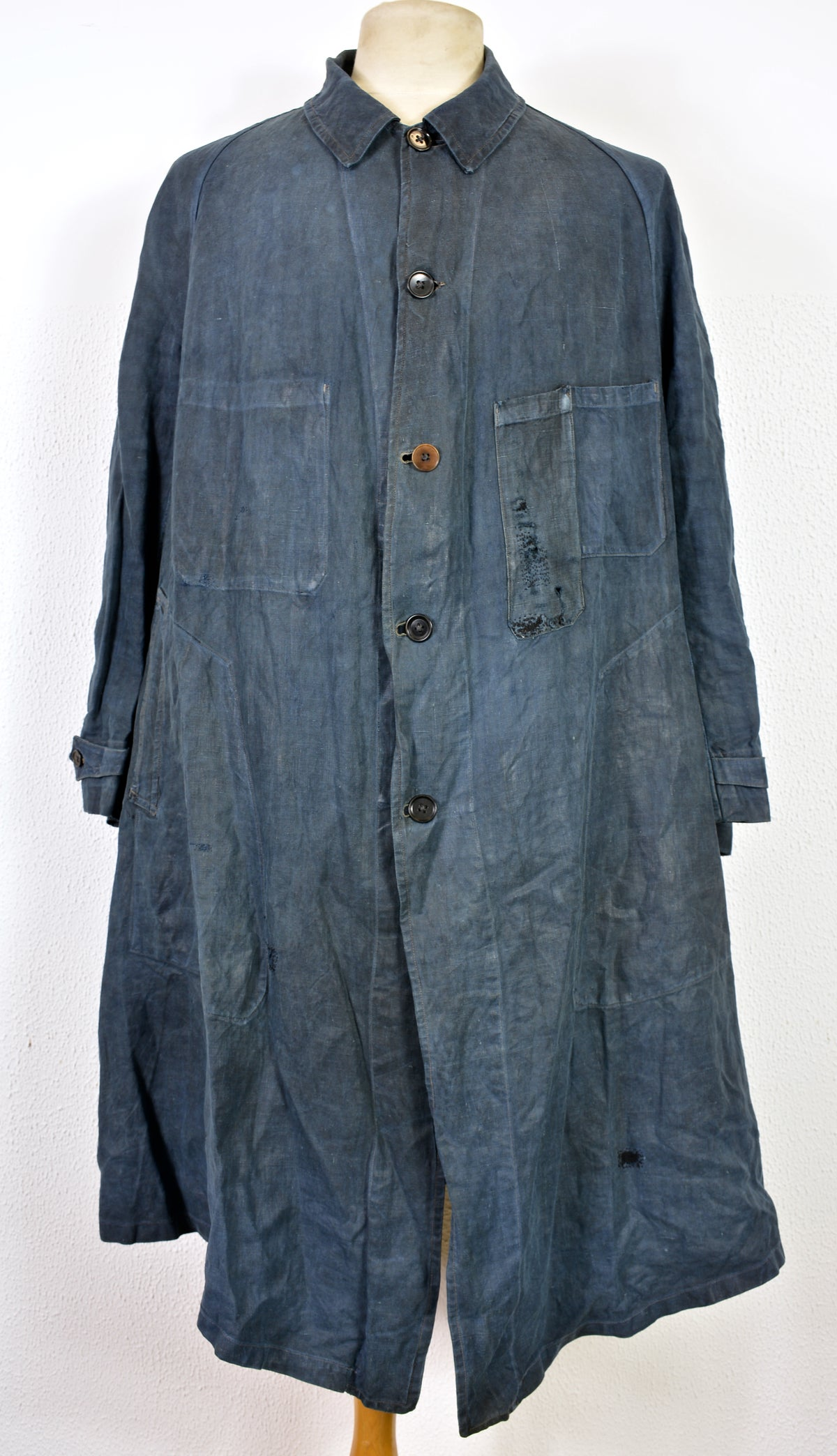 "Image of 1900's FRENCH INDIGO LINEN ""blouse de maquignon"" COAT DARNED 1"