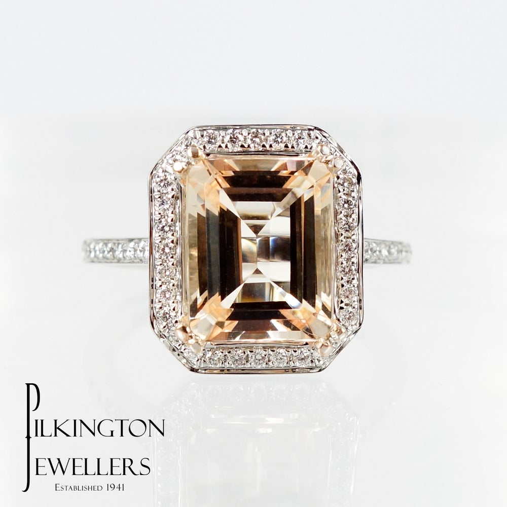 Image of PJ5141 Morganite & Diamond ring