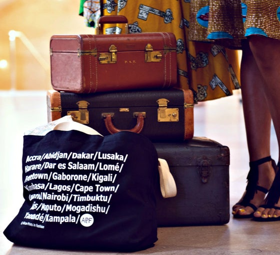 Image of African City Bag - L /black / white imprint  (Classic)
