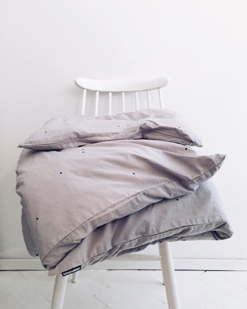 Image of grey duvet cover + pillowcase