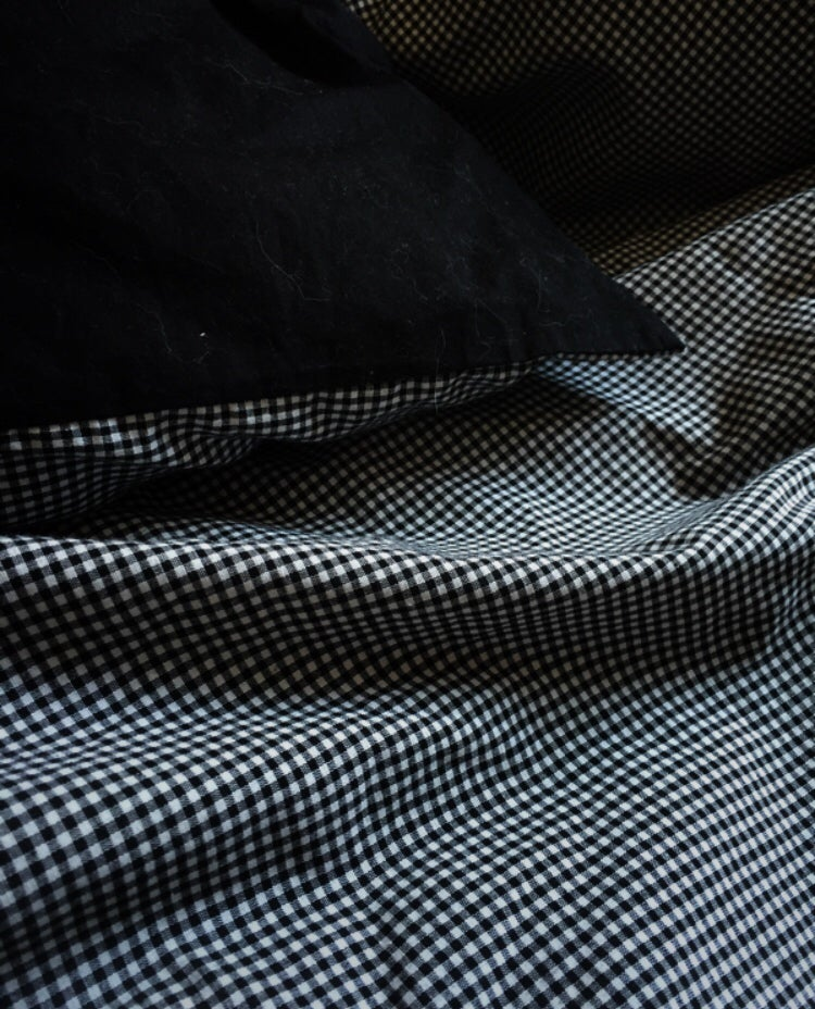 Image of checked duvet cover + pillowcase