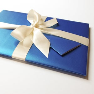 Image of Gift wrap your order!