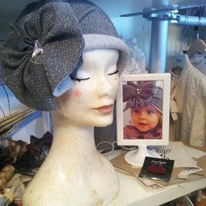 "Image of ""POLA"", fleece flapper cap 1920S style"