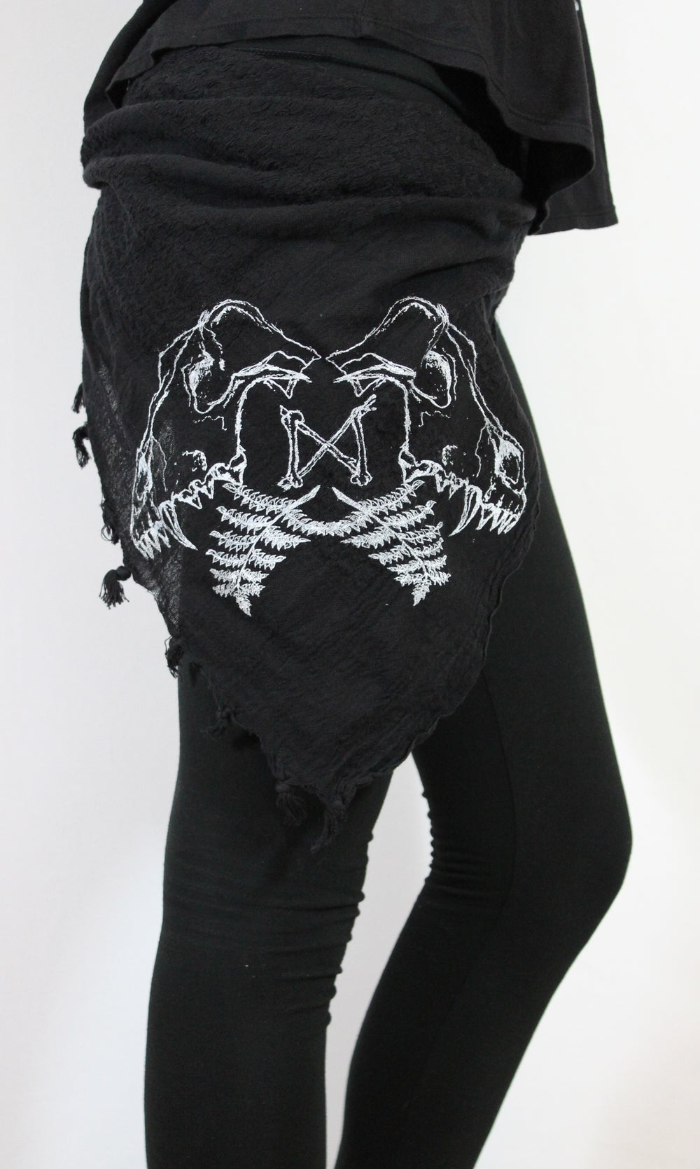 Image of WOLF SKULL DESTROYED SCARF