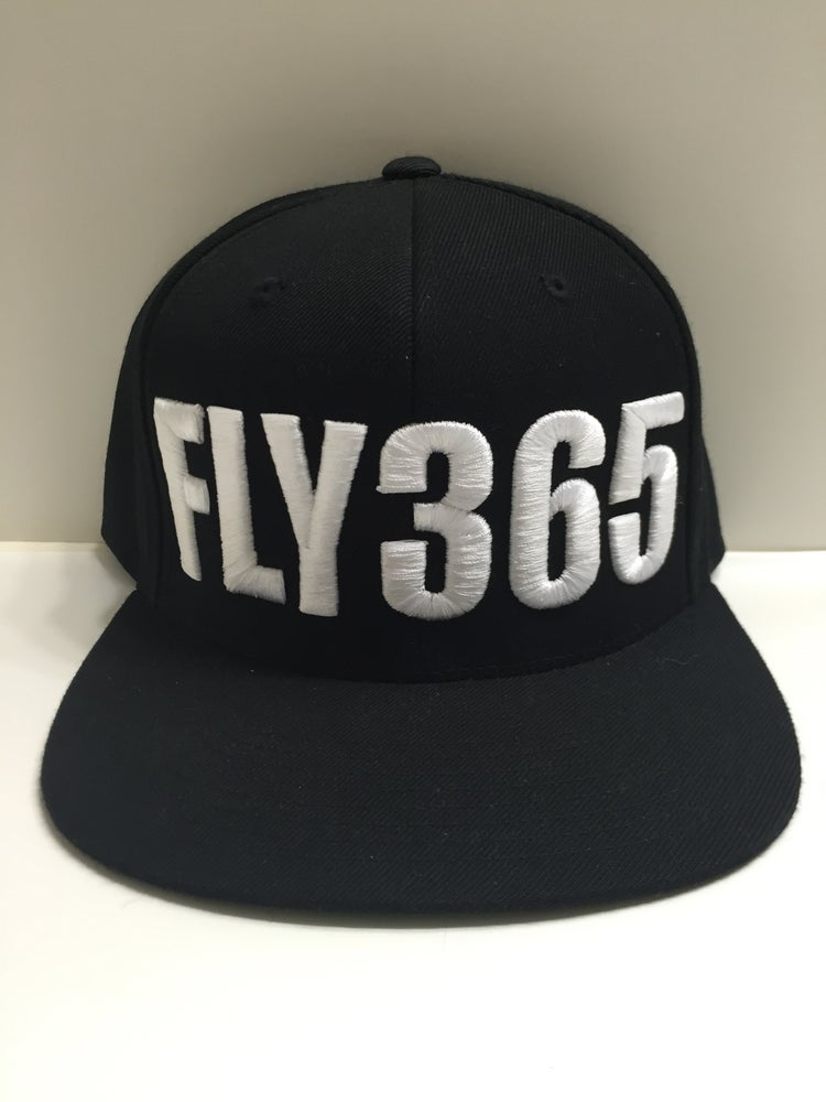 Image of FLY365 SNAPBACK BLACK