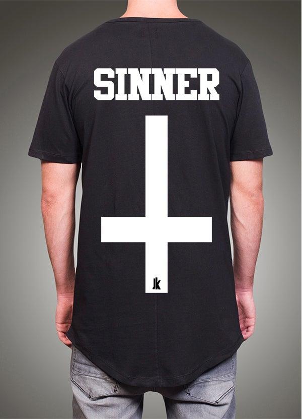 "Image of ""Sinner"" Round - Black"