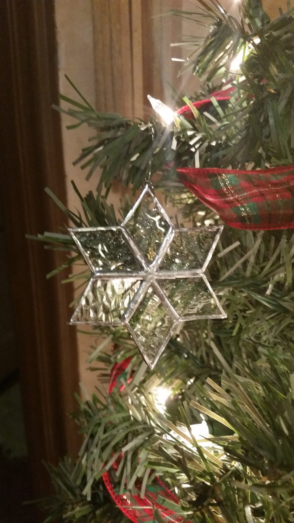 Image of Mini snowflake-stained glass
