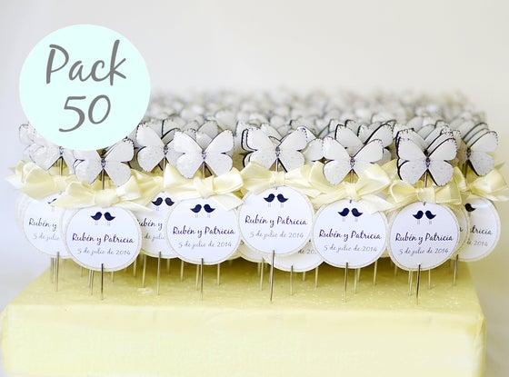 Image of Pack 50 alfileres mariposas blancas