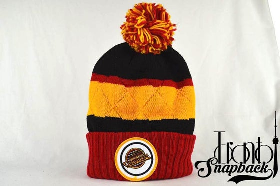 Image of VANCOUVER CANUCKS NHL QUILTED CROWN MITCHELL & NESS BEANIE