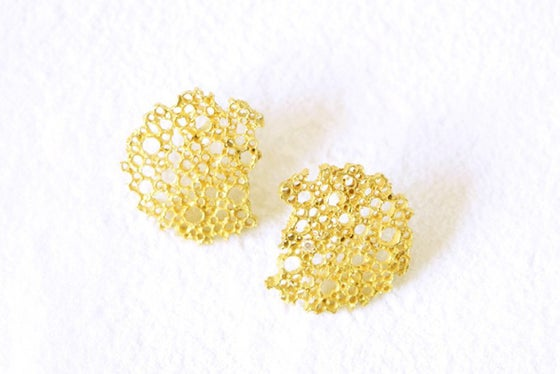 Image of Corail, Earrings in Fairmined gold 18k with white diamonds
