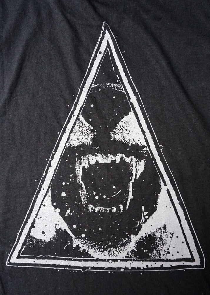 Image of 'triangle' tee