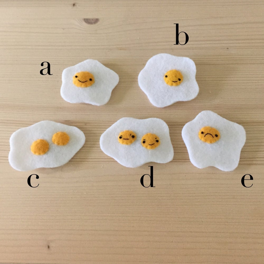 Image of fried egg magnets + brooches
