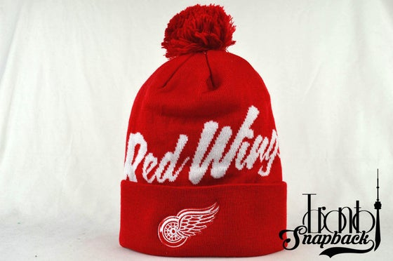 Image of DETROIT REDWINGS RED & WHITE NHL MITCHELL & NESS BEANIE